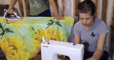 В Безенчуке добровольцы шьют постельное бельё для больницы